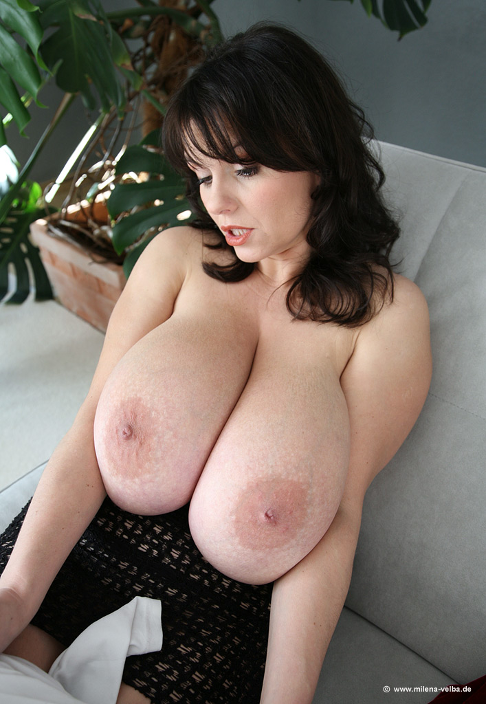 Busty milf porn pics