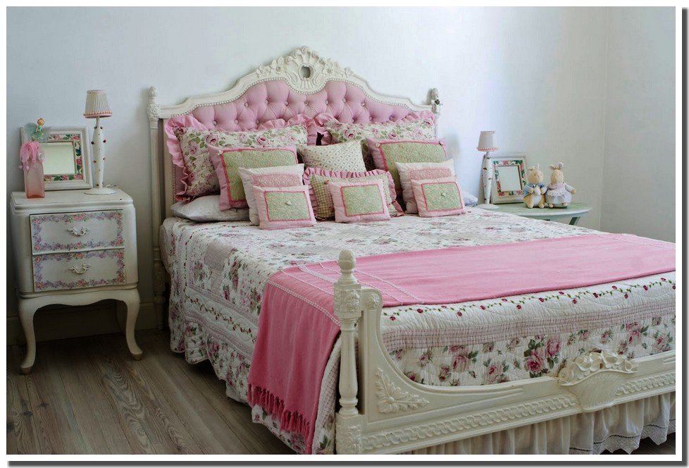 nassima home chambre romantique en rose. Black Bedroom Furniture Sets. Home Design Ideas