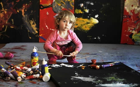 Aelita Andre: The 2-year-old artist who showed her paintings in a famous Gallery