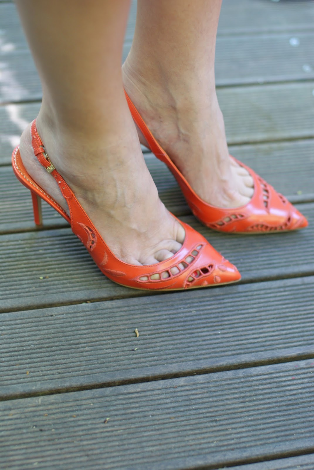 Le Silla orange pumps, Fashion and Cookies, cut out shoes