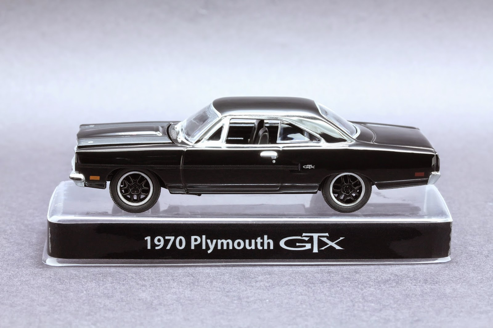 Diecast Hobbist 1970 Plymouth Gtx Ford Crown Victoria 164 Scale From Greenlight Black Bandit Toysrus Exclusive Mopar Edition