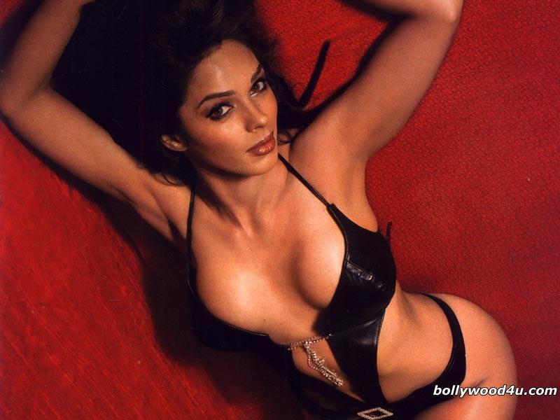 Tags Mallika Sherawat Hot