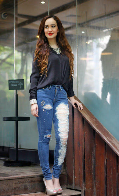 Levis 711 Skinny Jeans, Levis Black Silk Shirt, Distressed Jeans