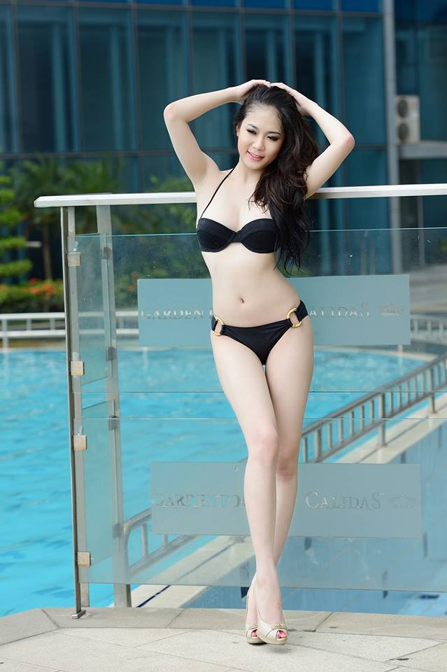 Tít mắt đường cong Julia Nguyễn 9