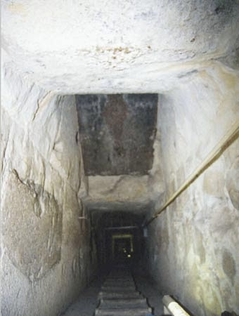 place of waveguides branching and view on granite lens Khufu pyramid