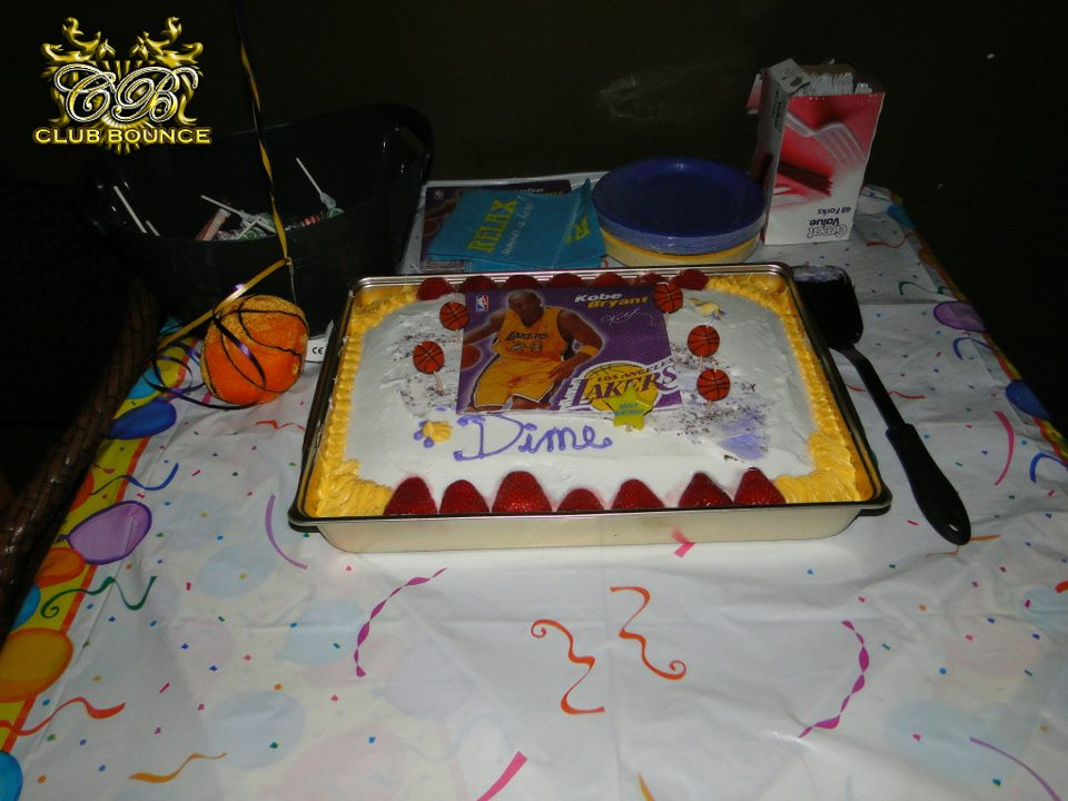 Cake Decorating Classes Near Pomona Ca : Big Bettie cakes: Lakers Cake