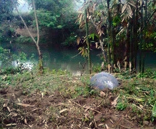 Mysterious UFOs Falls From The Sky and Crashes In Vietnam