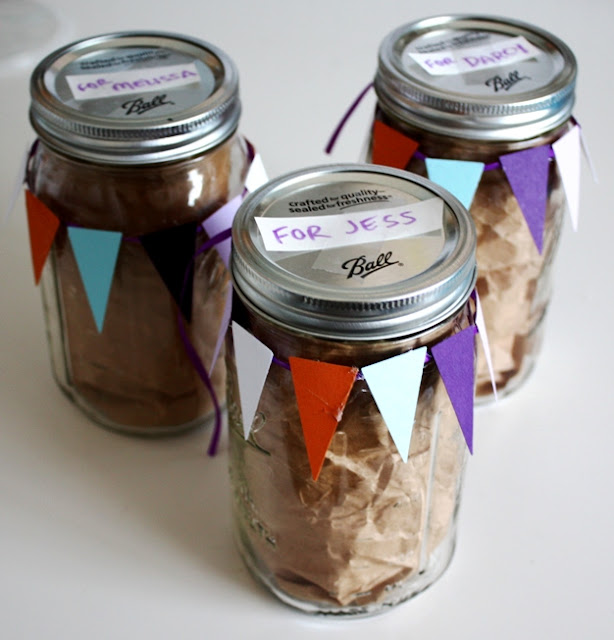 DIY Wedding Ball Mason Jars Bridesmaid Kit