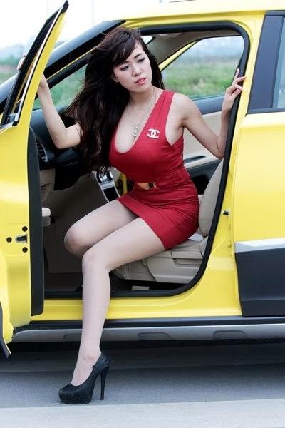 Hot Girl Mai Tho - Beautifull with car