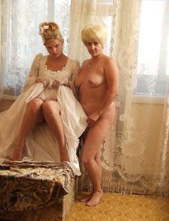 Hot Girl Naked - 525108583.jpg