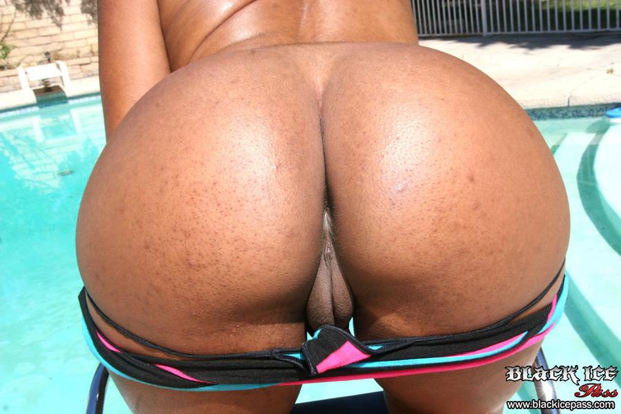 Sydnee capri big ass