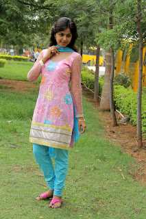 Monal Gajjar latest gorgeous Pictures 001.jpg