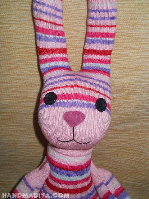 "Зайчик из носков. Мастер класс. Soft toy ""Bunny"" sewn from socks. DIY step-by-step tutorials"