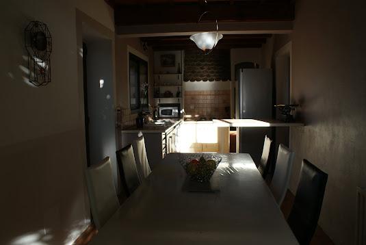 Villa olivier - Vue cuisine et coin repas  (nouvelle peinture 11/2017)
