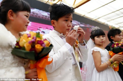 orang pendek berkahwin