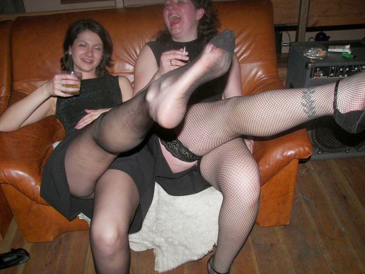 amateur party upskirt