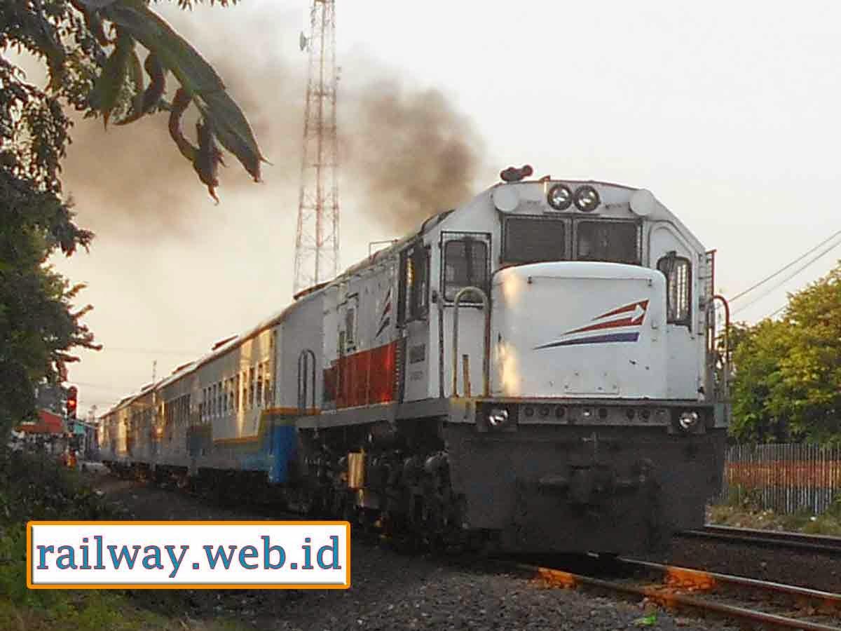 Jadwal KA Fajar dan Senja Utama Semarang 2014