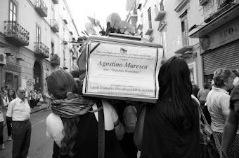 Corteo funebre contro la chiusura dell'ospedale maresca