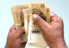 GOVERNO PROPÕE SALÁRIO MÍNIMO DE R$ 719,48 A PARTIR DE 2014.