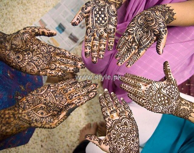 Group Mehndi Hands : Beauty and faision tips with us stay : mehndi designs