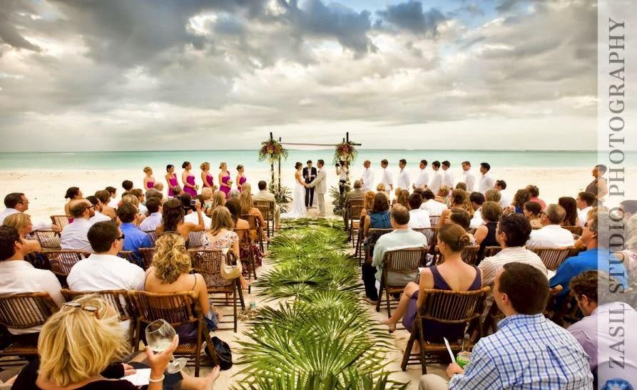 mariage sur la plage d coration du lieu de la c r monie sur la plage. Black Bedroom Furniture Sets. Home Design Ideas