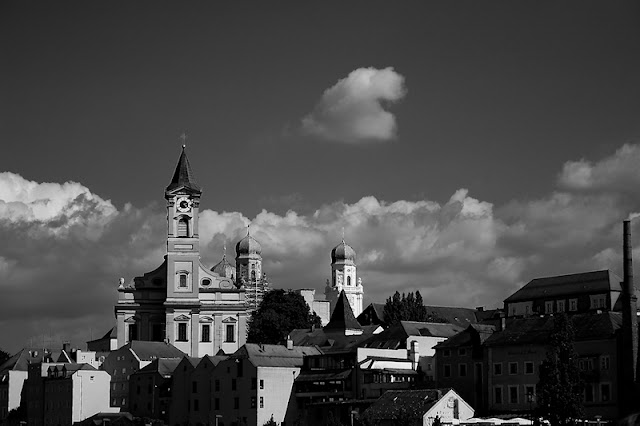 Hohenfel Volks: Passau skyline, pre-exposure original