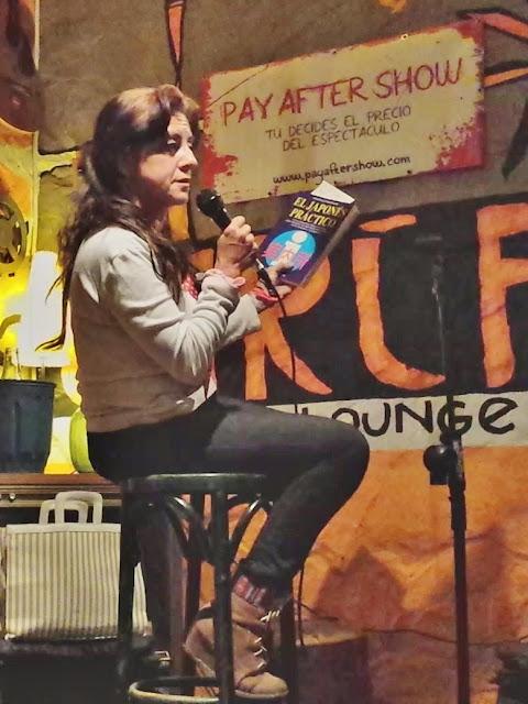 Actuación de la ventrílocua Isabel Camiña en abril de 2014