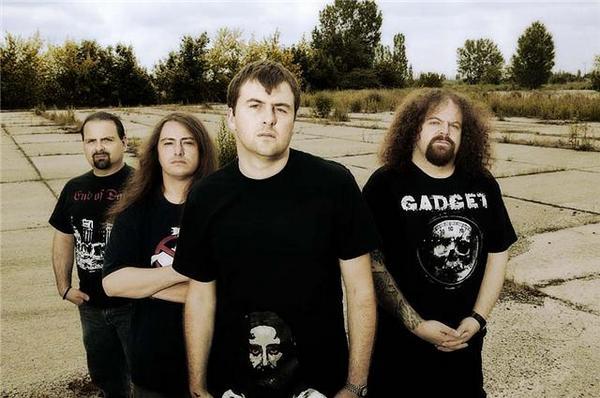 [27/01] NAPALM DEATH @ SECRET PLACE  Horns+Up+Rocks+Napalm+Death+Group+shot