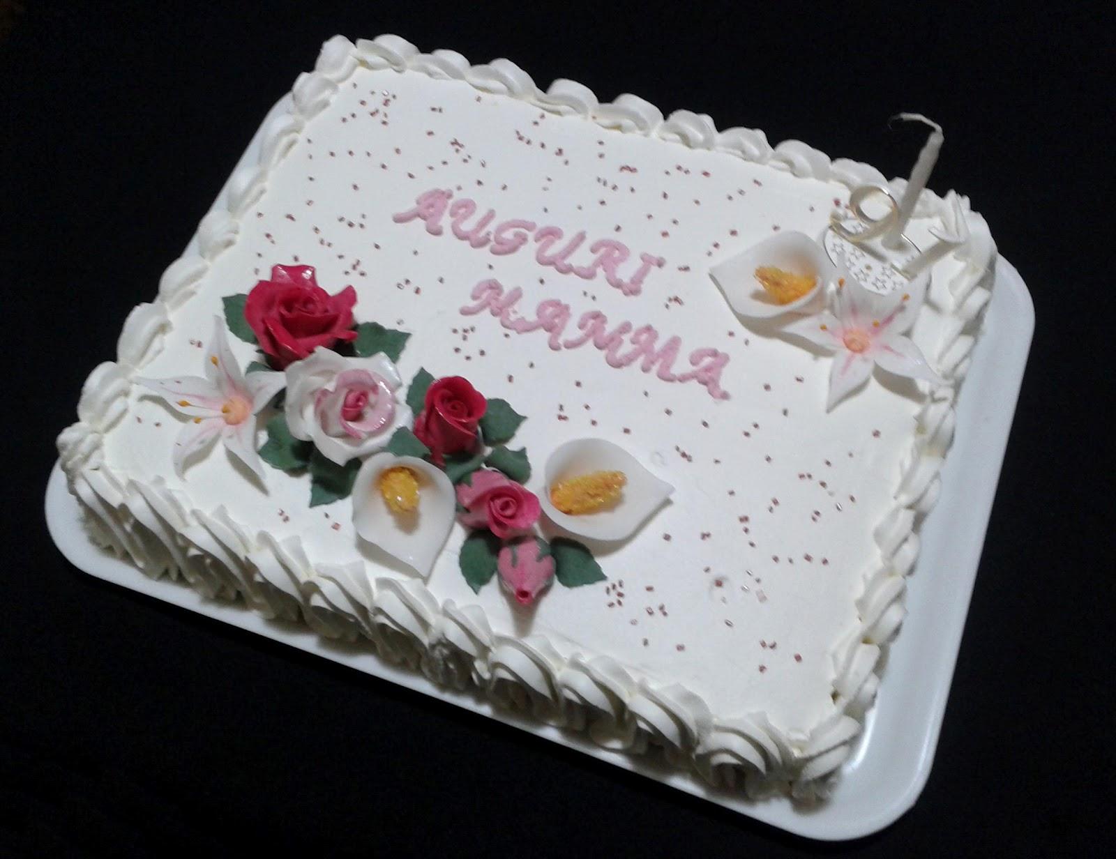 Alessandra e i suoi dolci torta panna e fiori for Decorazioni di torte con panna montata