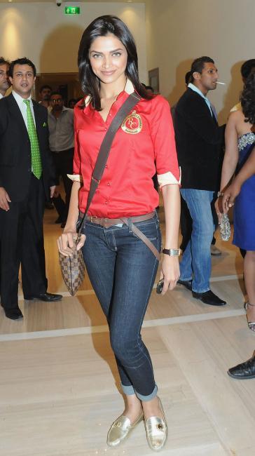 Top Hd Bollywood Wallapers: deepika padukone in jeans