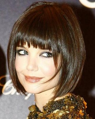 http://2.bp.blogspot.com/-_aTuGbfVxZQ/Tg7f6WETNeI/AAAAAAAAADo/u9nuo5ns1nc/s1600/short+hair+with+bangs.jpg