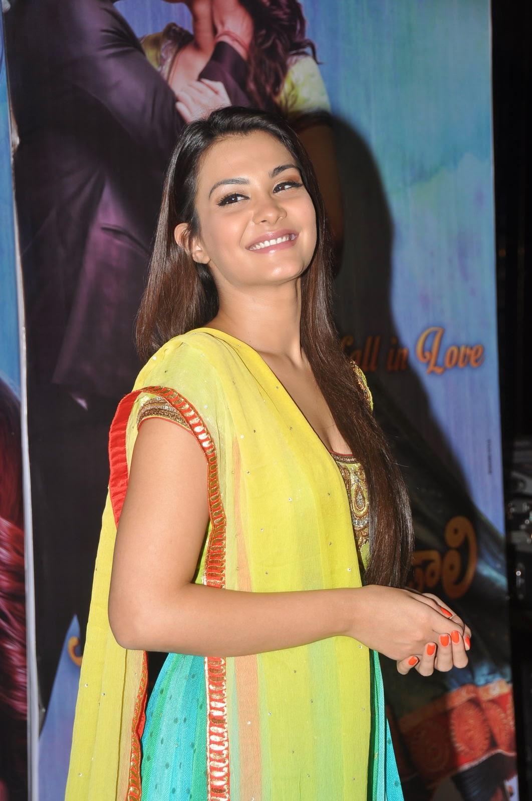 Nazia hussain latest glam pics-HQ-Photo-1