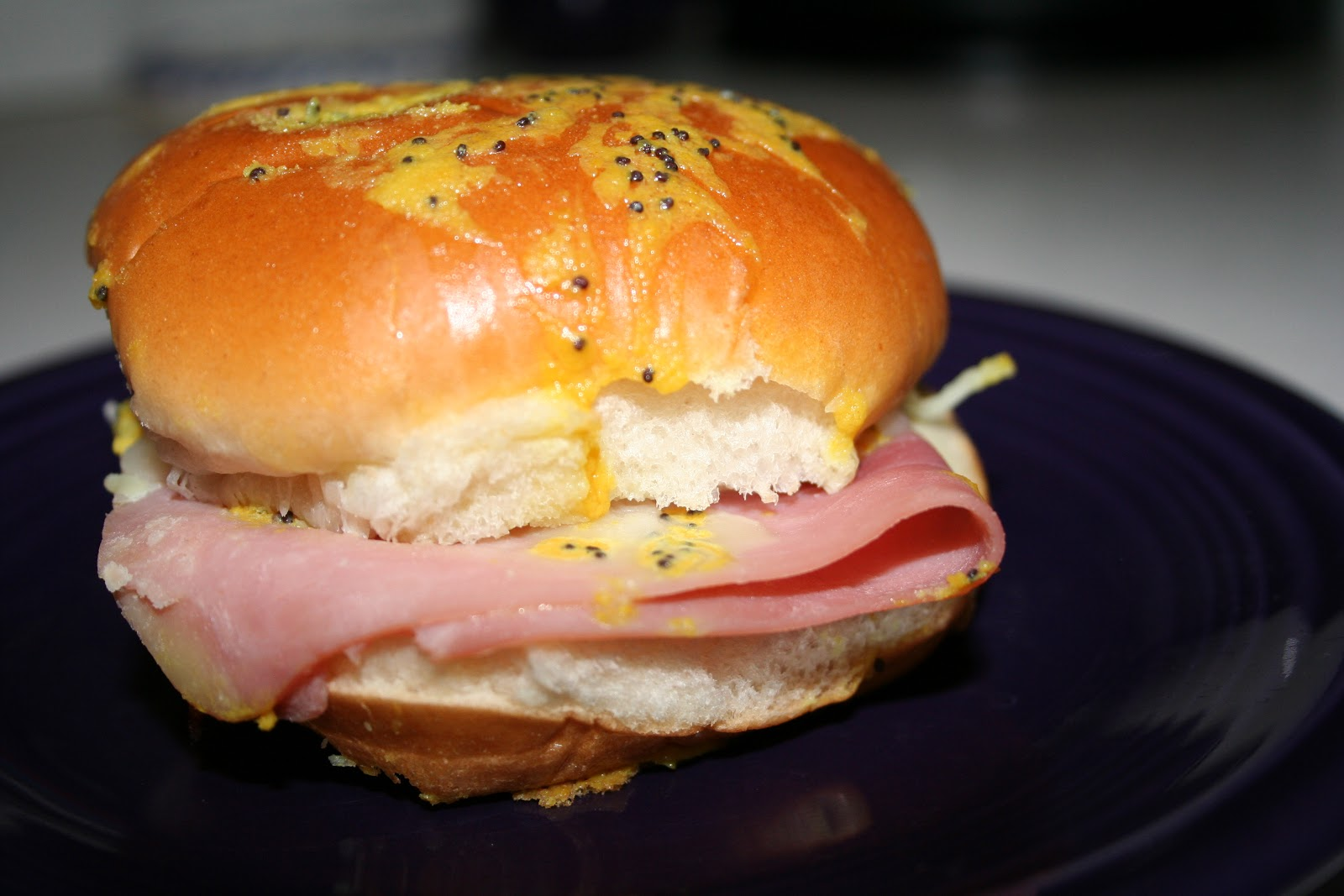 Tricia's Simply Tasteful Recipes: Ham and Cheese Buns