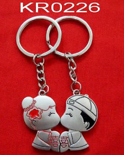 key-chain-hadiah-romantis