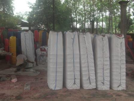 pengiriman tong sampah fiber beroda
