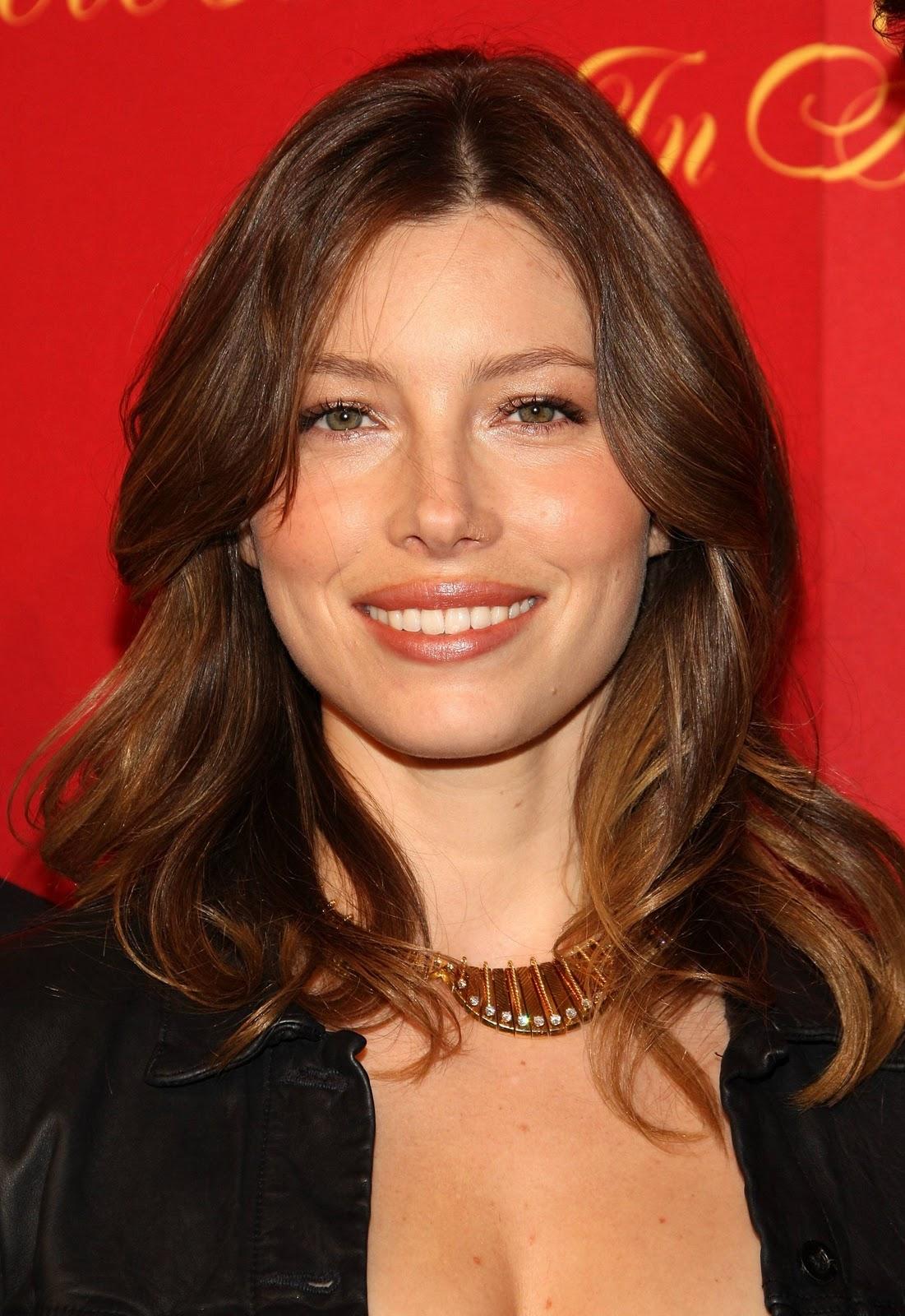 http://2.bp.blogspot.com/-_b-SS_A5uc4/TrOYHf5BNKI/AAAAAAAACTI/AZyzpNL88I8/s1600/Jessica_biel.jpg