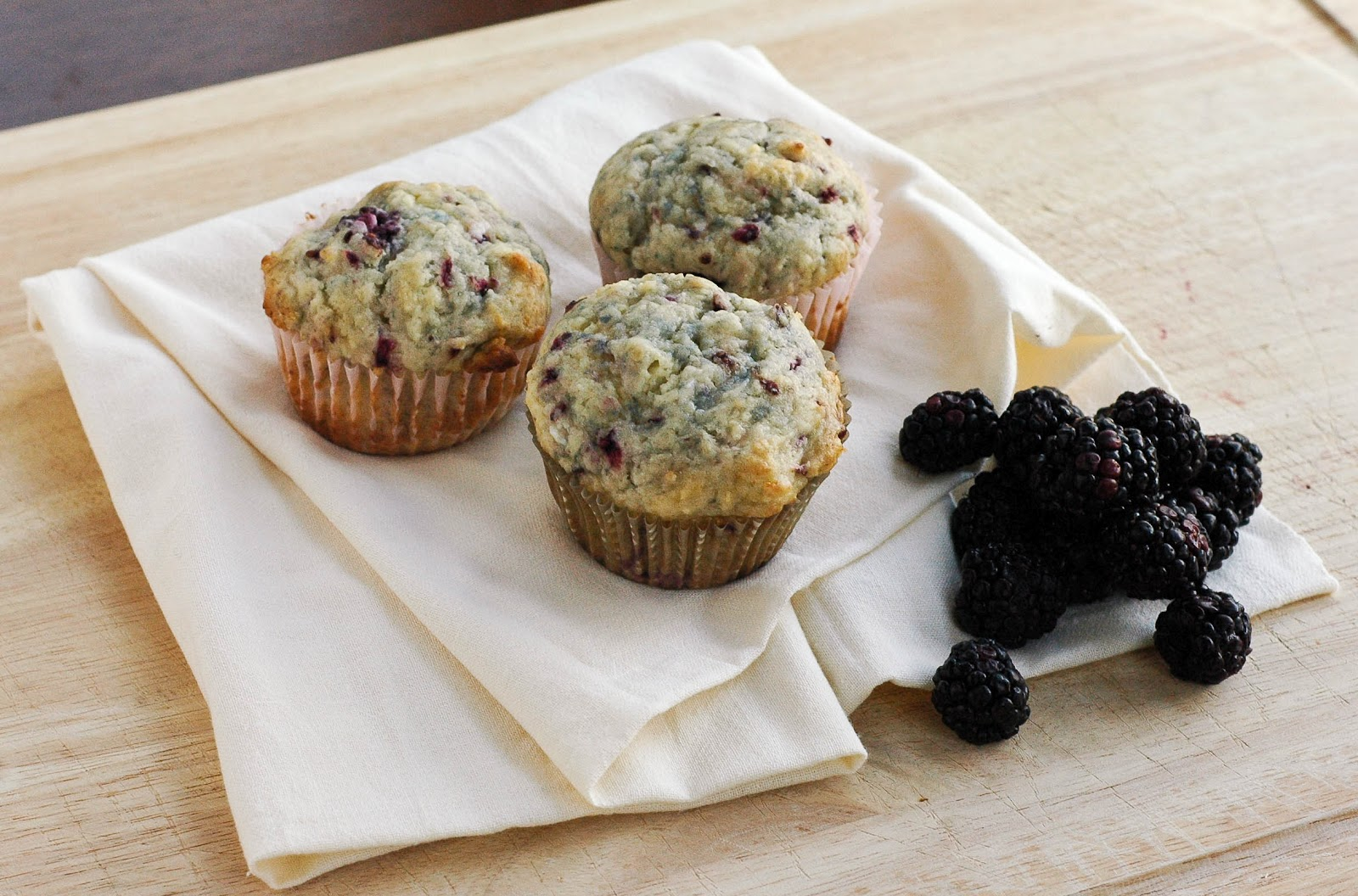 Good Thymes and Good Food: Blackberry Muffins