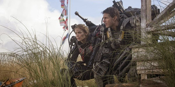 Emily Blunt e Tom Cruise em NO LIMITE DO AMANHÃ (Edge of Tomorrow)