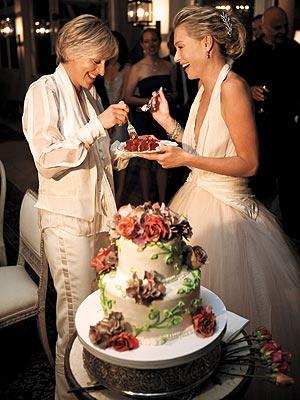 CAKE PARADE ARENA: CELEBRITY WEDDING CAKES