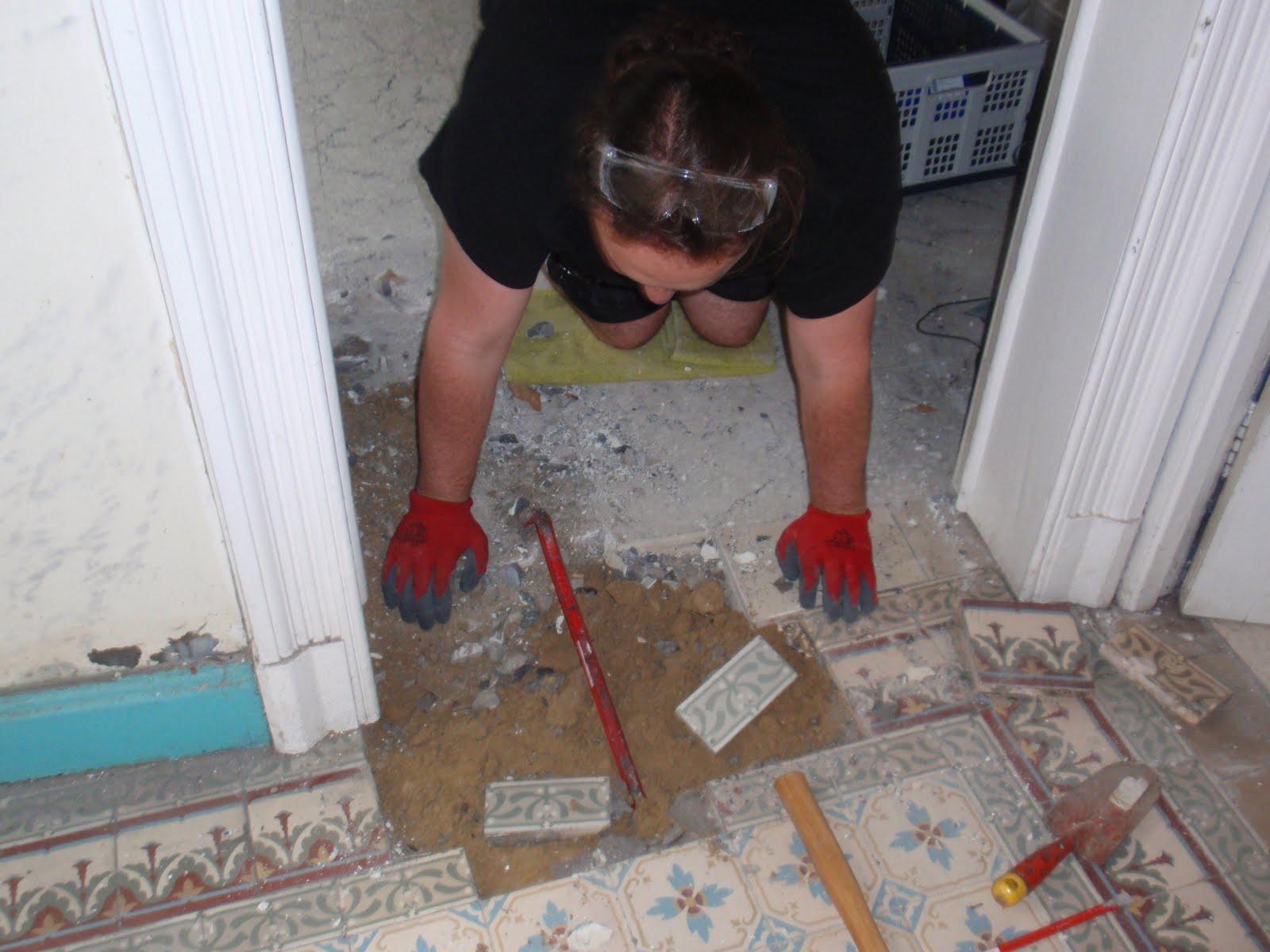 Verbouwing uitbreken oude vloertjes - Cement tegels geloofwaardigheid ...