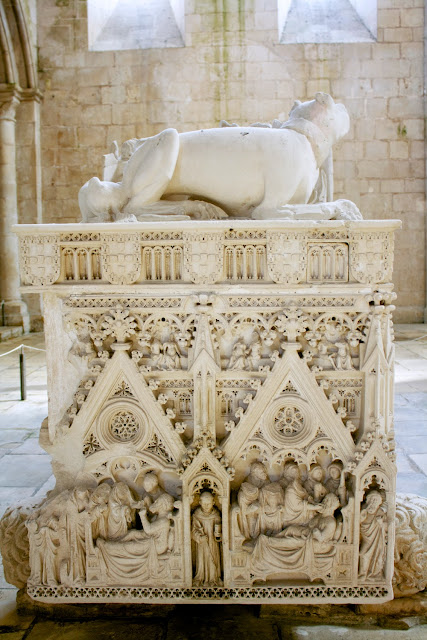 Alcobaça, detalle mausoleo Pedro I