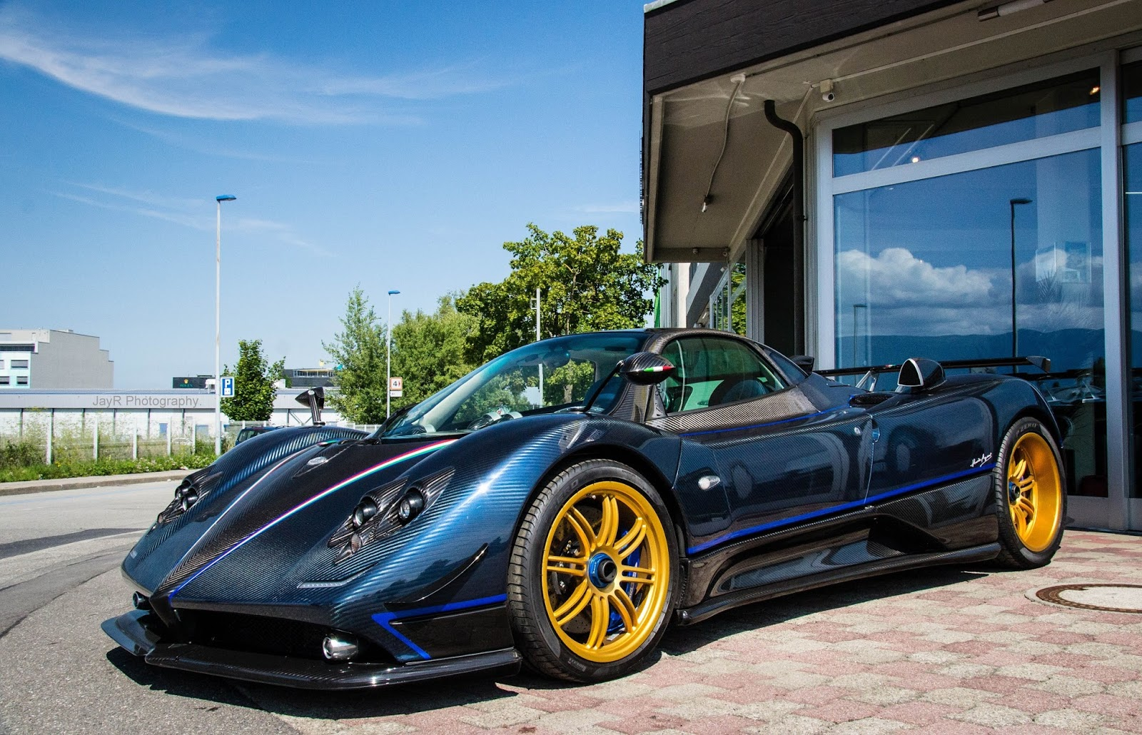 Pagani Zonda Tricolore | On a Quest for the Best.