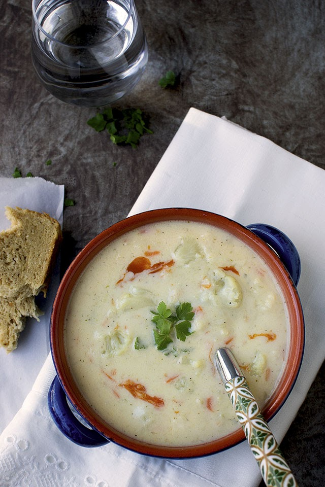 Cauliflower & Cheese Soup