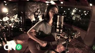 EASY  (LIVE!)  by  CLARA  BENIN!