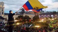 """Miles de ecuatorianos responden a los """"intentos golpistas"""" con una marcha en apoyo a Correa"""