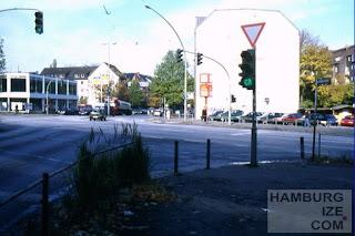 Kreuzung Holstenstraße / Strese - keine Radfurt vorhanden