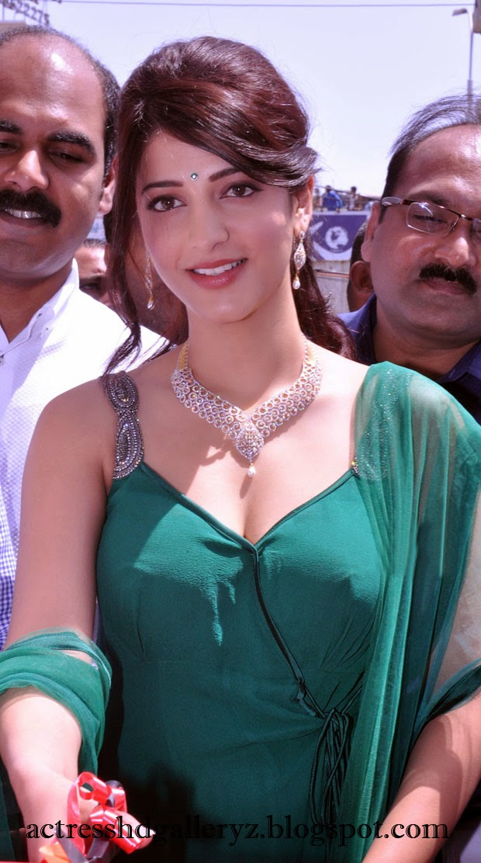 S, Shruti Hassan, Shruti Hassan Hot pics, HD Actress Gallery, latest Actress HD Photo Gallery, Latest actress Stills, Telugu Movie Actress, Tollywood Actress, Hot Images, Indian Actress, Actress, Shruti Hassan Telugu movie actress Latest Hot Pics
