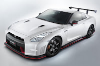 Nissan GT-R Nismo N-Attack Package (2016) Front Side