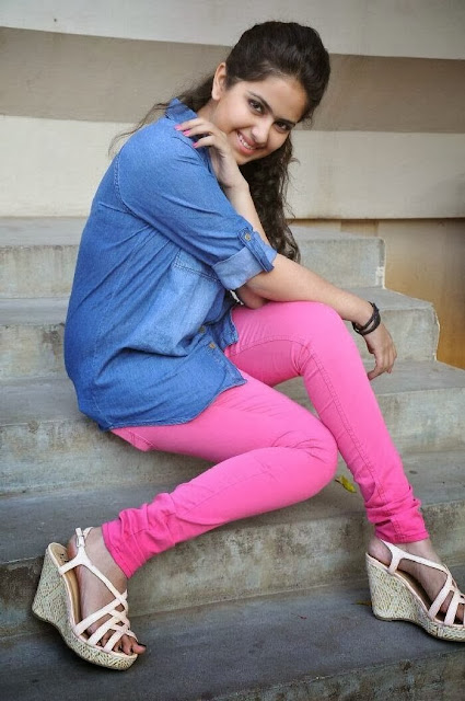 Avika Gor in Pink Jeans