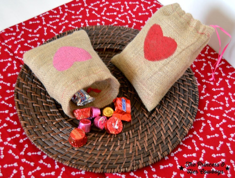 http://www.theprincessandhercowboys.com/2015/01/easy-burlap-treat-bags.html
